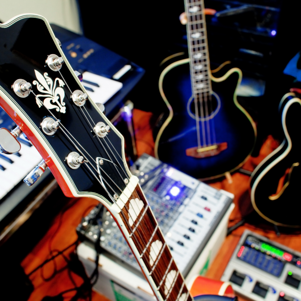 5 Must-Haves for Your Home Recording Studio